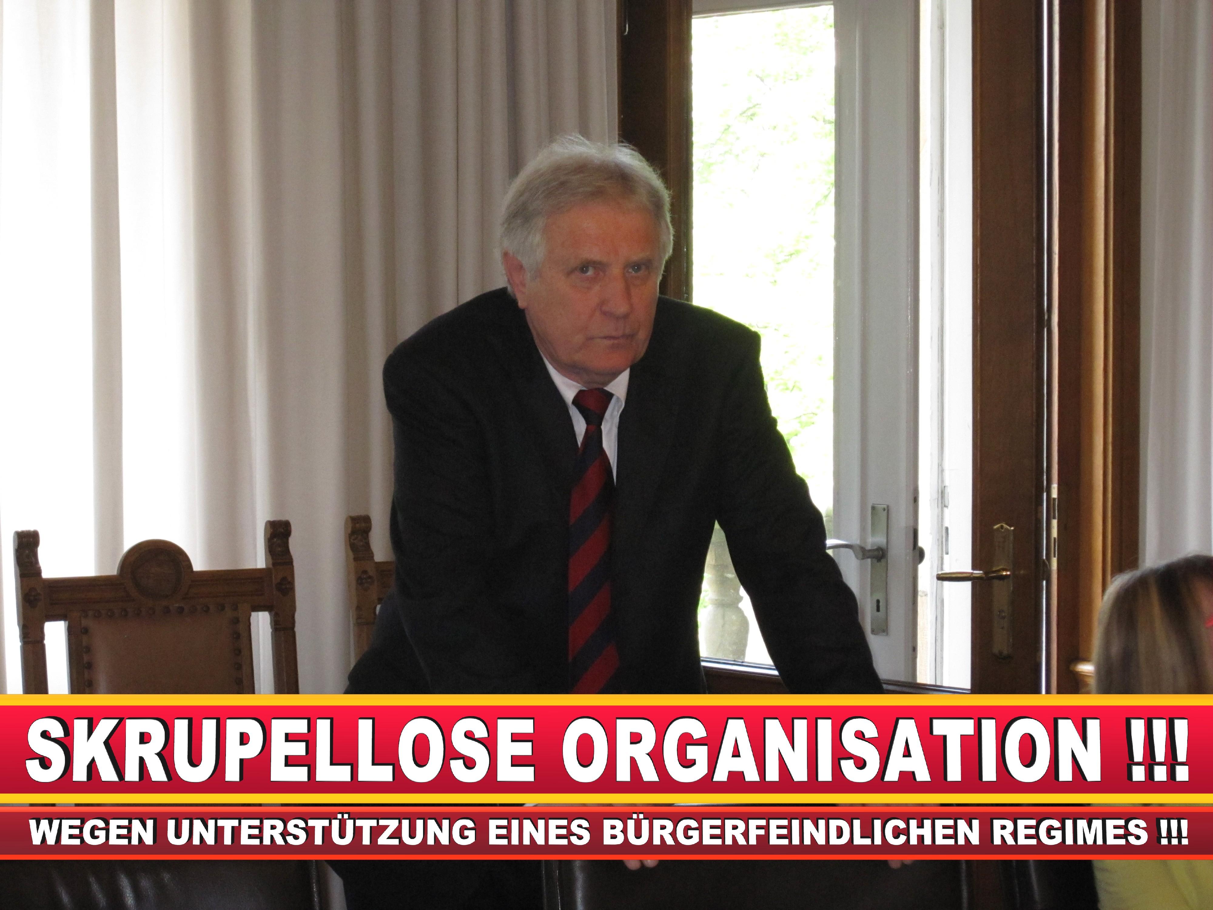 Polizeipräsident Erwin Südfeld Bielefeld Oberbürgermeister Bürgermeister Peter Clausen Pit Clausen Bielefeld (1)