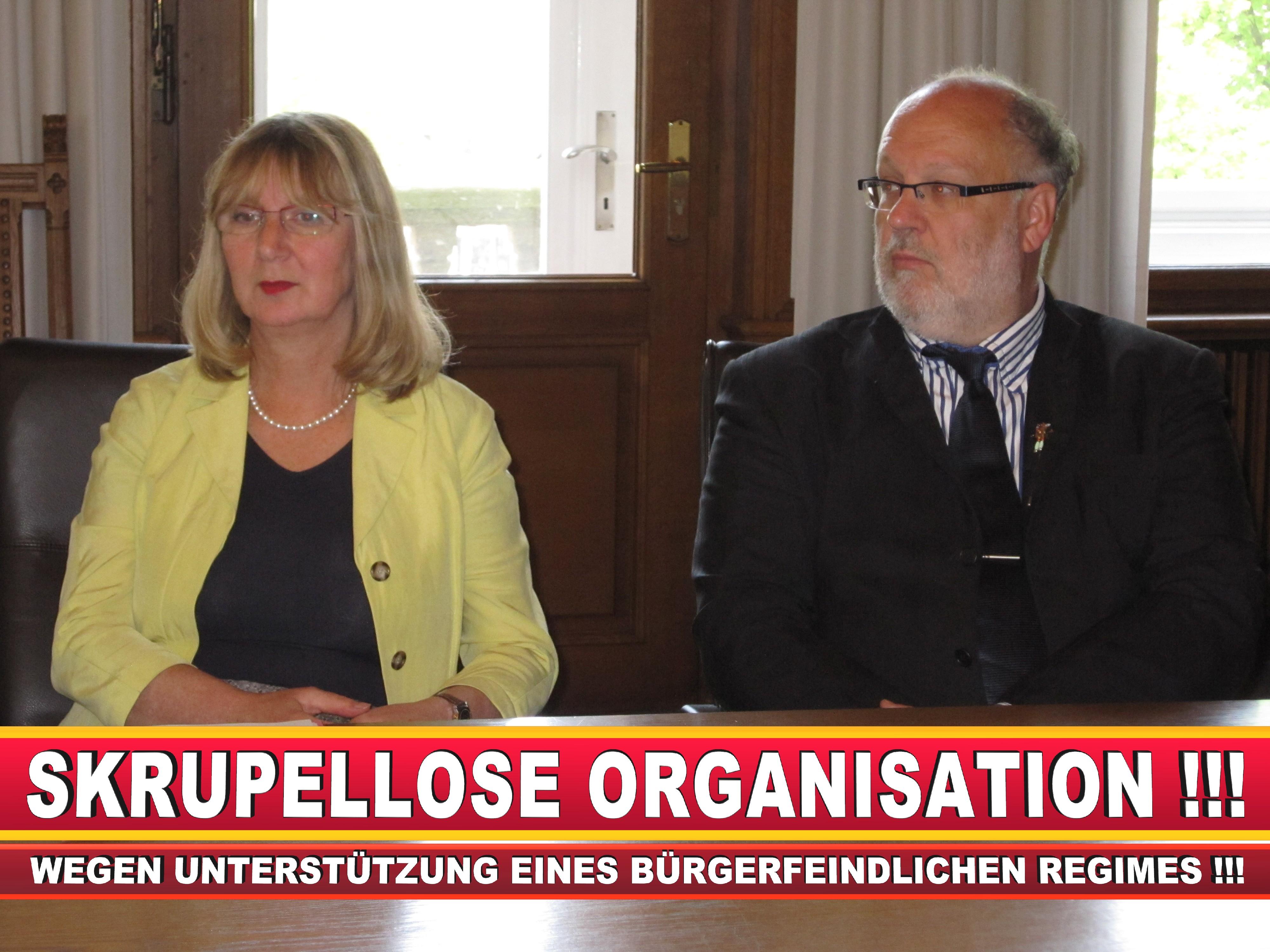 Polizeipräsident Erwin Südfeld Bielefeld Oberbürgermeister Bürgermeister Peter Clausen Pit Clausen Bielefeld (21)