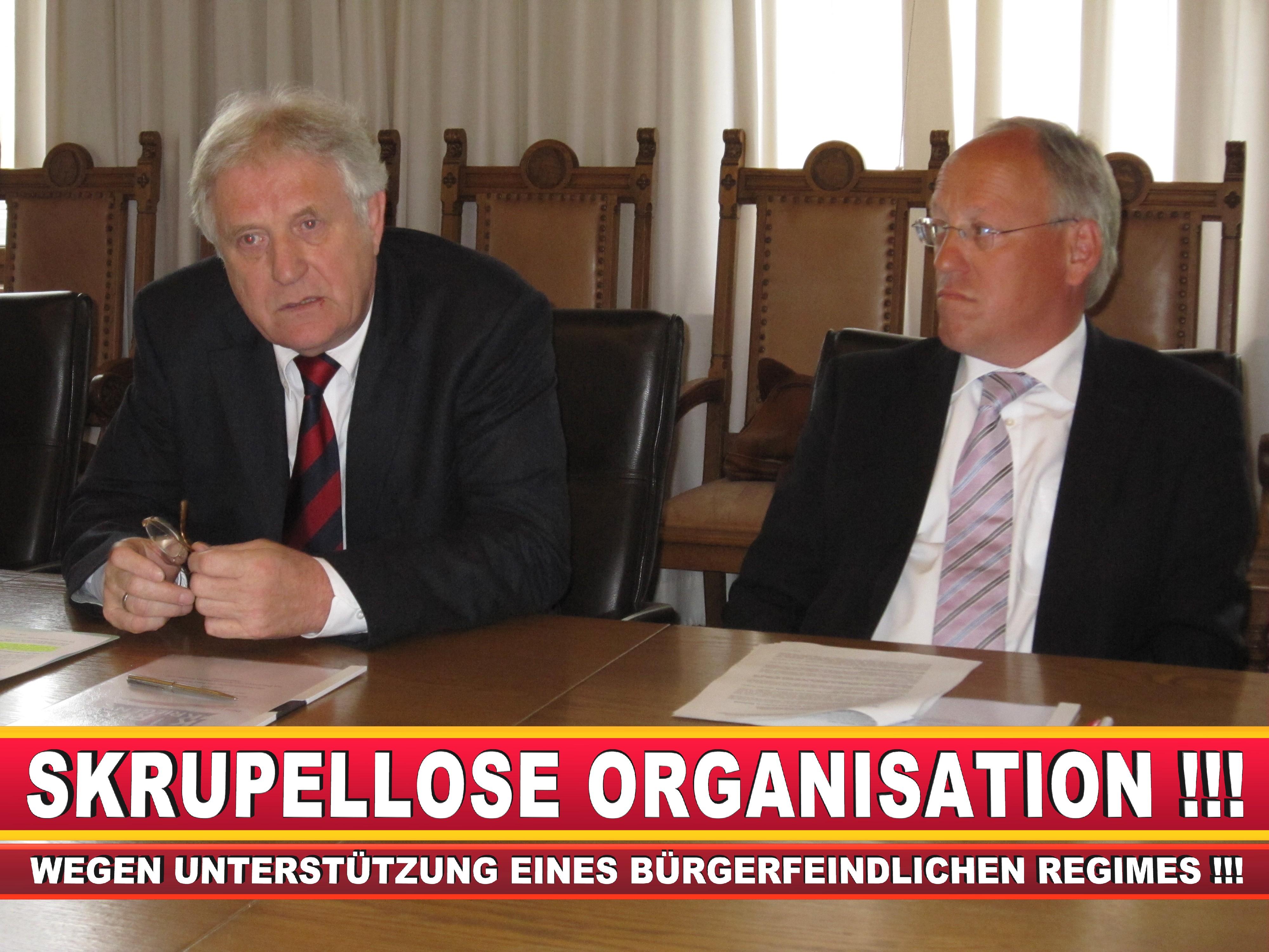 Polizeipräsident Erwin Südfeld Bielefeld Oberbürgermeister Bürgermeister Peter Clausen Pit Clausen Bielefeld (23)