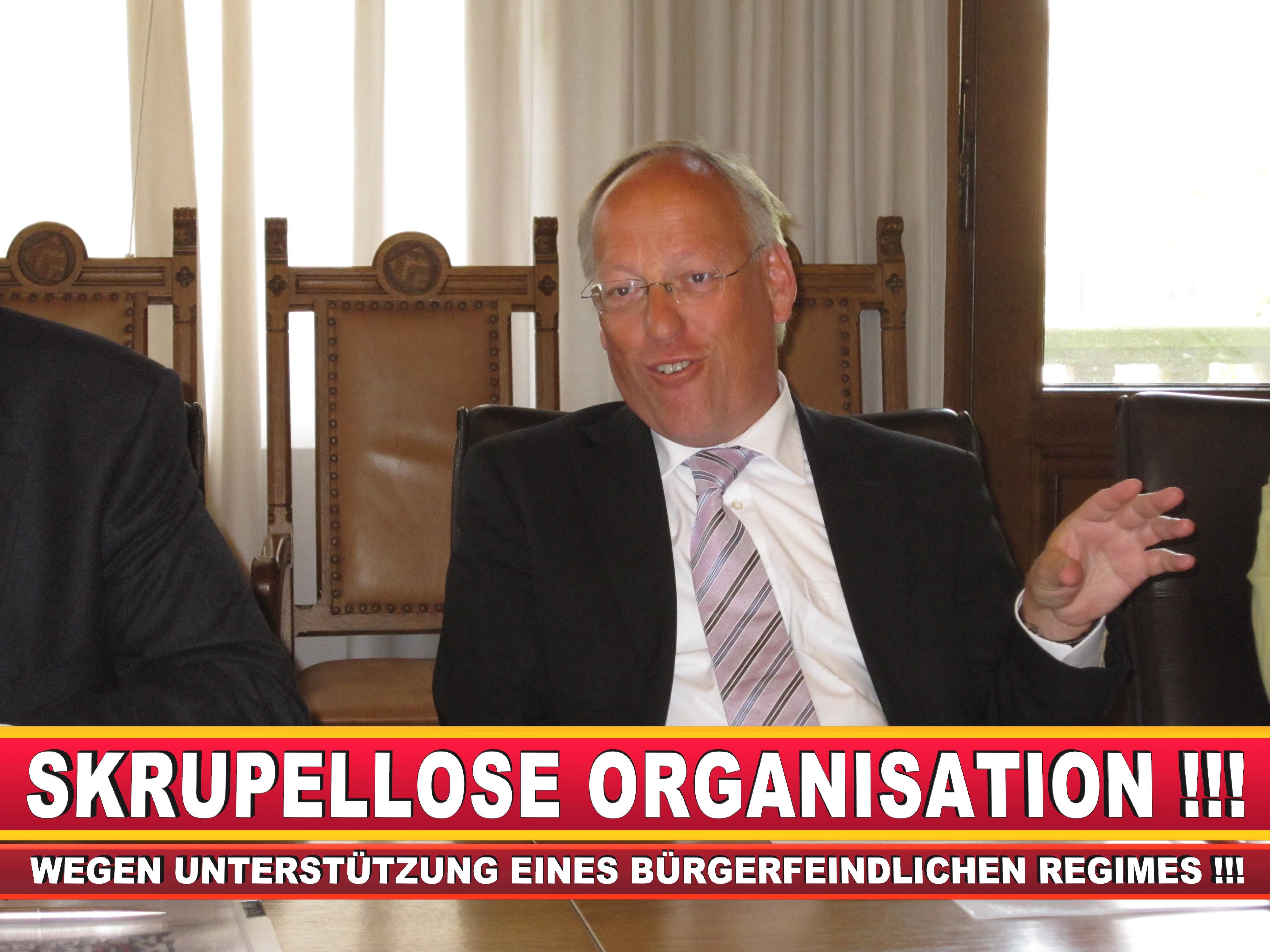 Polizeipräsident Erwin Südfeld Bielefeld Oberbürgermeister Bürgermeister Peter Clausen Pit Clausen Bielefeld (39)