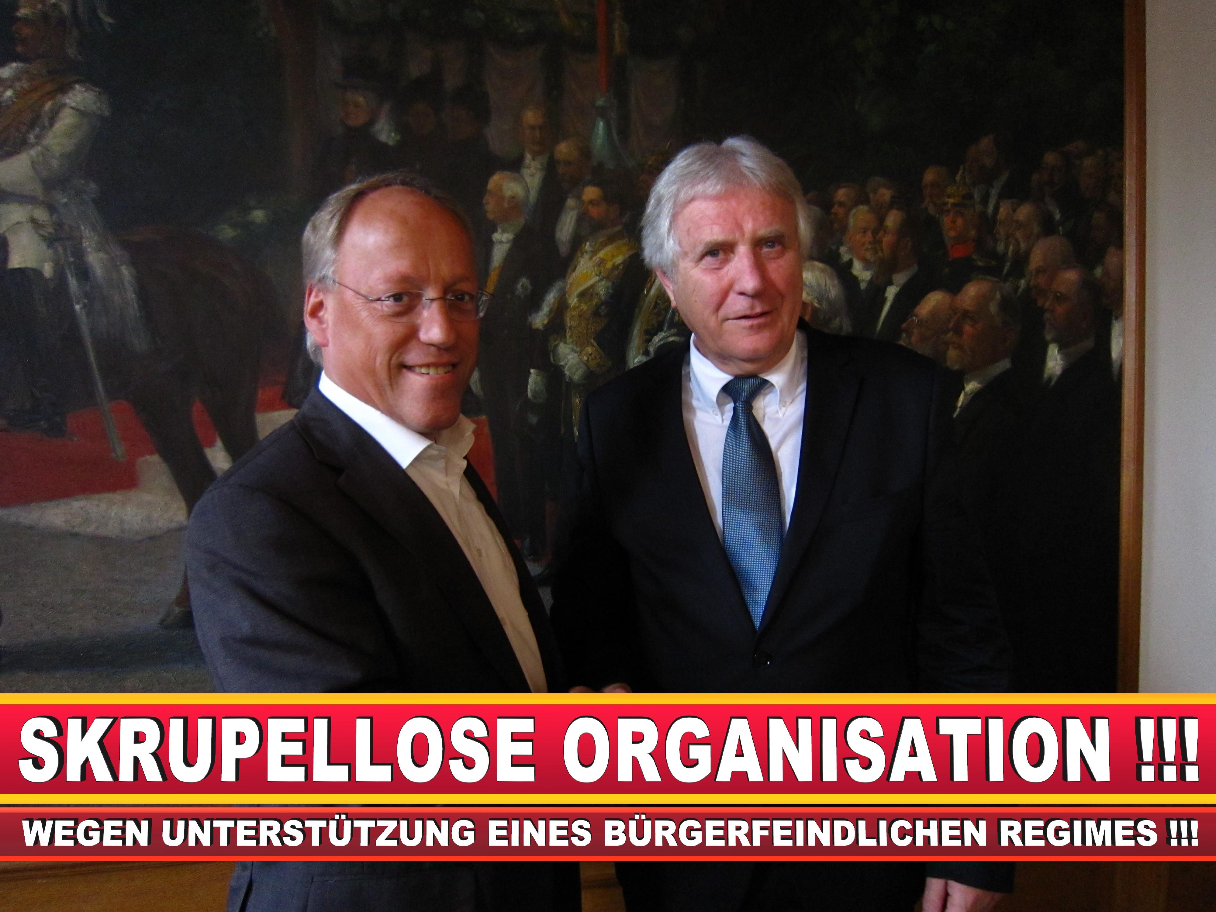 Polizeipräsident Erwin Südfeld Bielefeld Oberbürgermeister Bürgermeister Peter Clausen Pit Clausen Bielefeld (56)