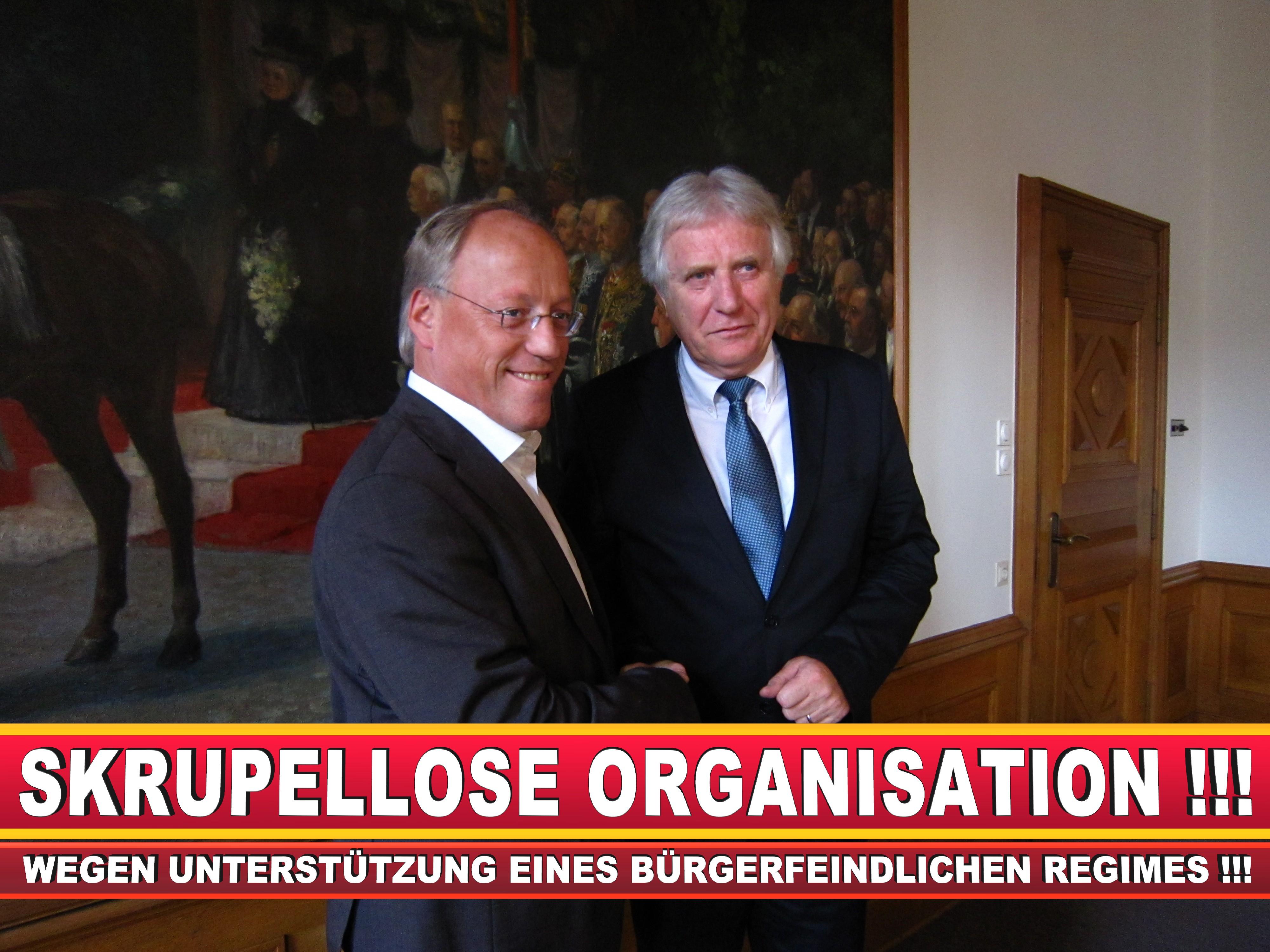 Polizeipräsident Erwin Südfeld Bielefeld Oberbürgermeister Bürgermeister Peter Clausen Pit Clausen Bielefeld (57)