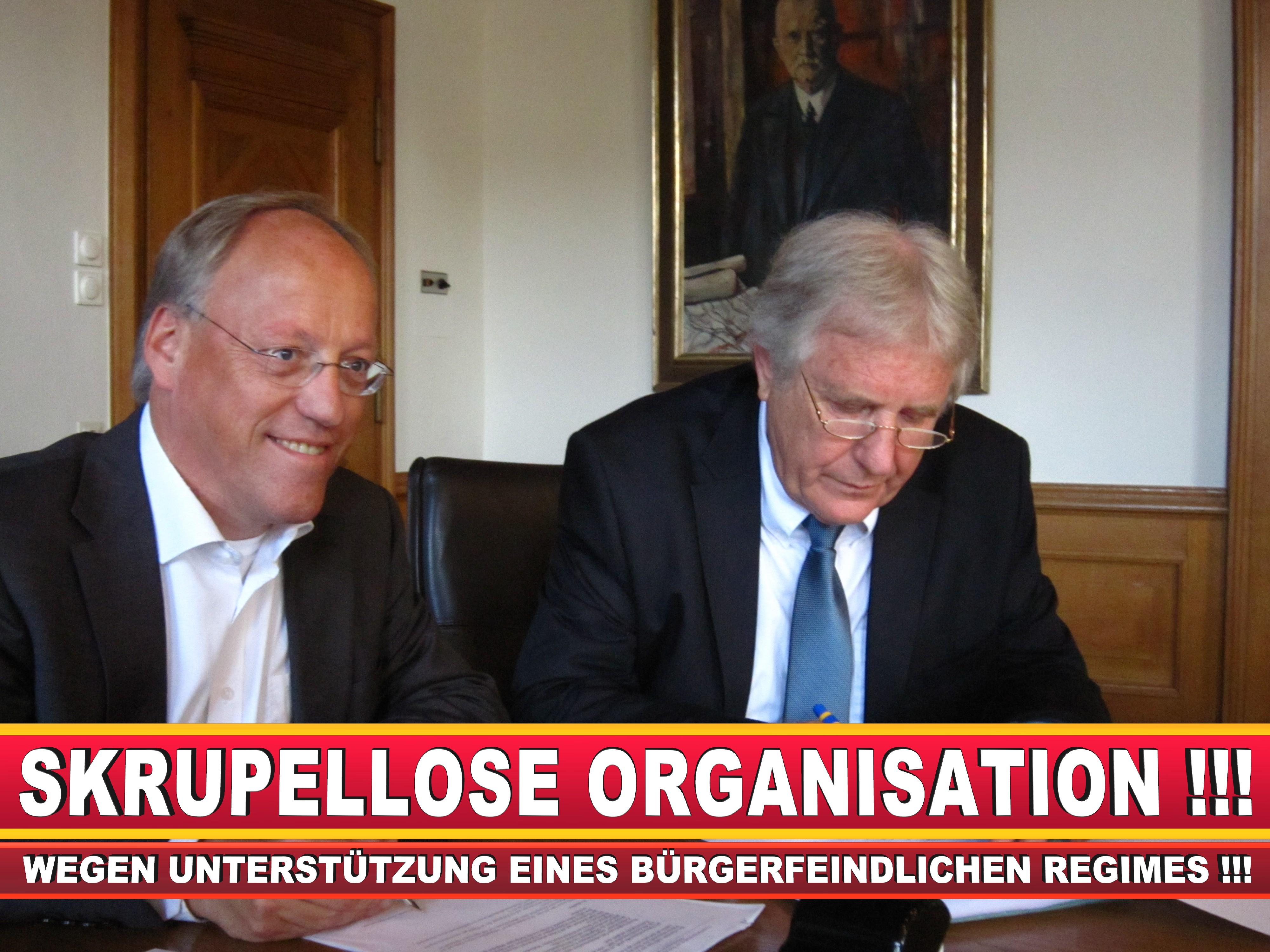 Polizeipräsident Erwin Südfeld Bielefeld Oberbürgermeister Bürgermeister Peter Clausen Pit Clausen Bielefeld (60)