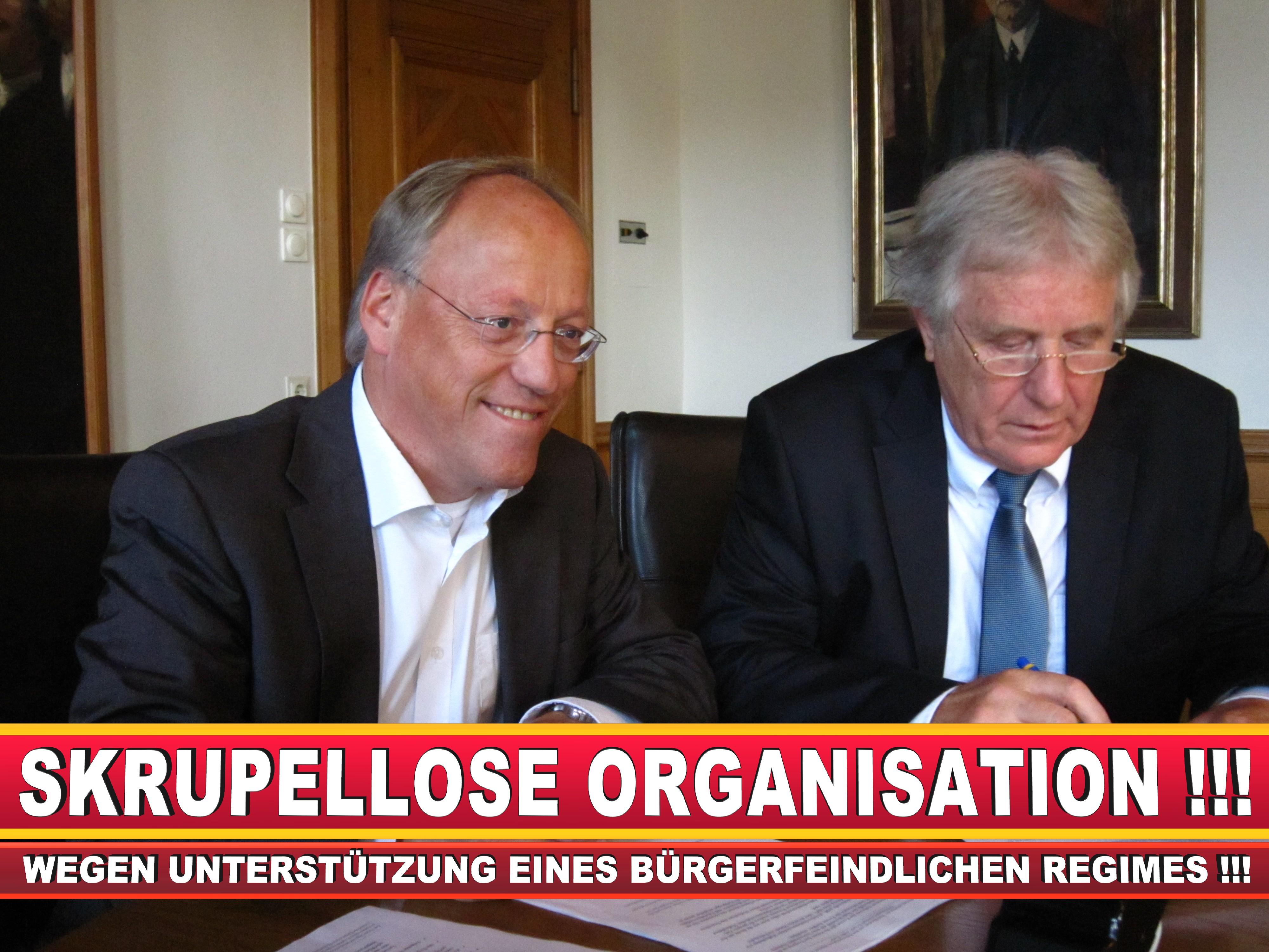 Polizeipräsident Erwin Südfeld Bielefeld Oberbürgermeister Bürgermeister Peter Clausen Pit Clausen Bielefeld (63)