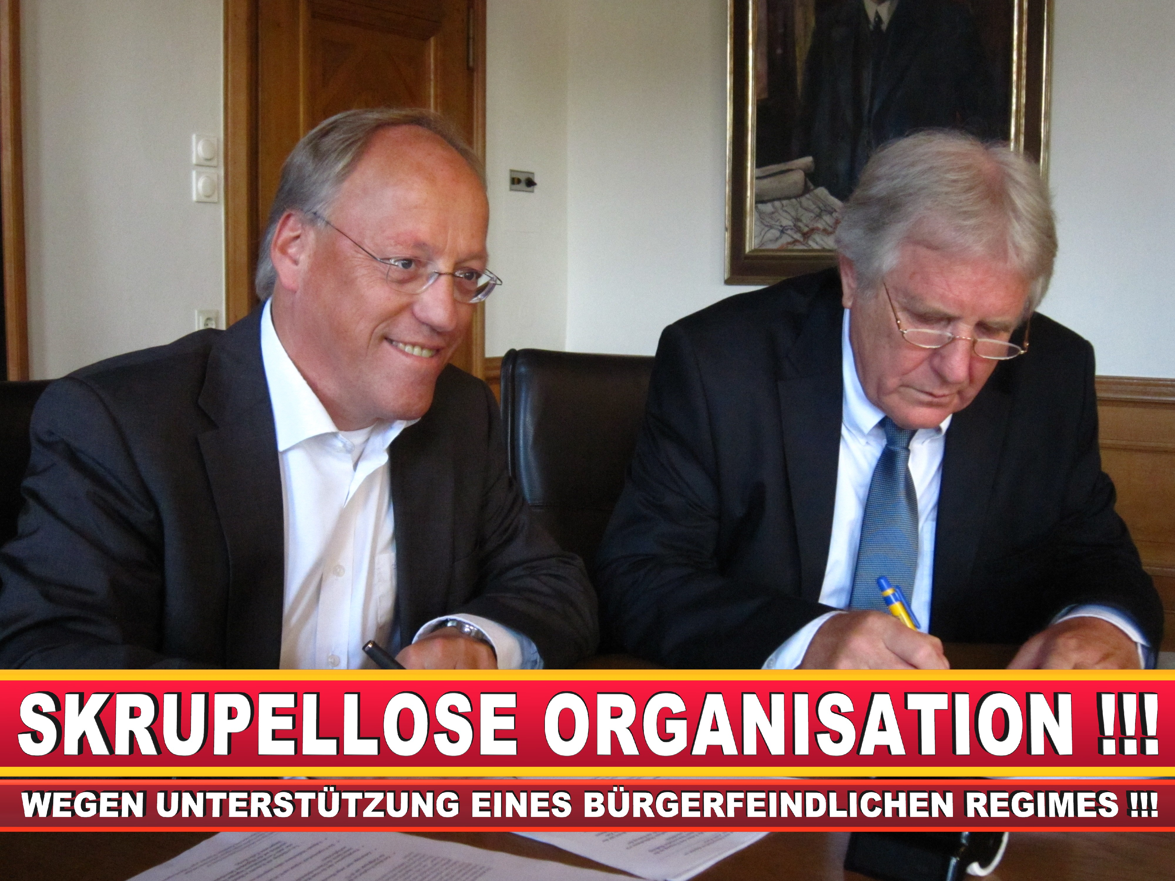 Polizeipräsident Erwin Südfeld Bielefeld Oberbürgermeister Bürgermeister Peter Clausen Pit Clausen Bielefeld (64)