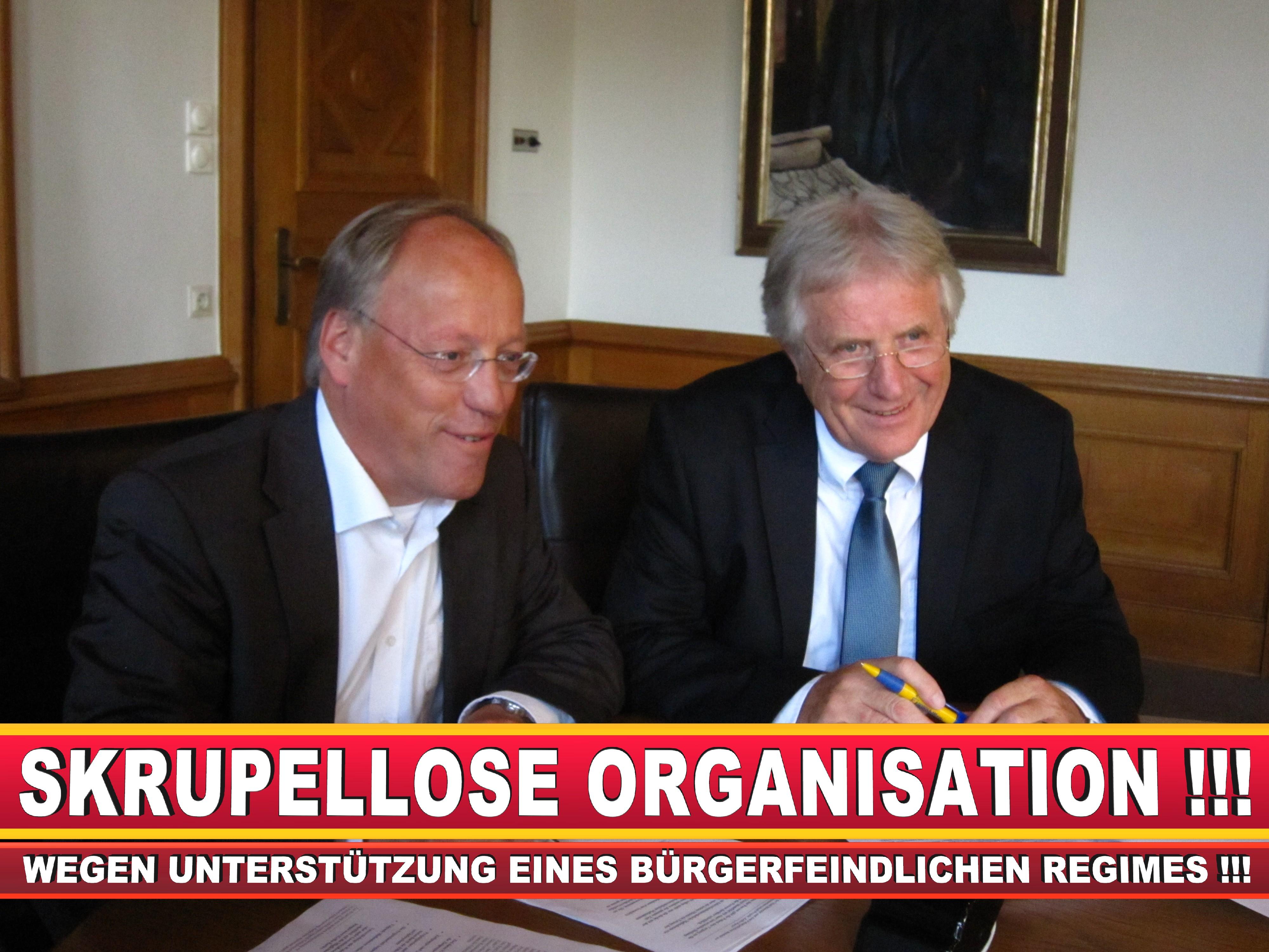 Polizeipräsident Erwin Südfeld Bielefeld Oberbürgermeister Bürgermeister Peter Clausen Pit Clausen Bielefeld (67)