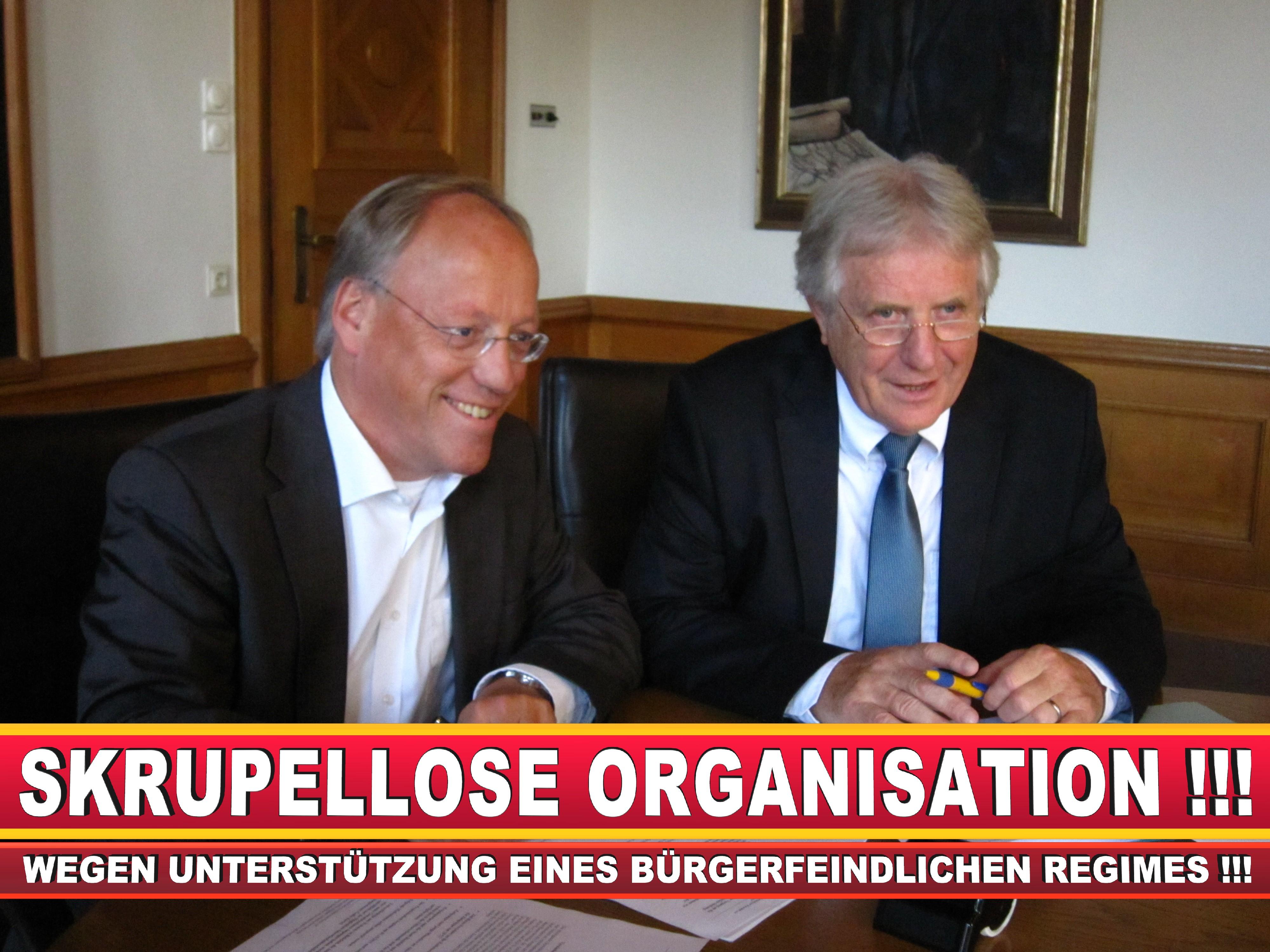 Polizeipräsident Erwin Südfeld Bielefeld Oberbürgermeister Bürgermeister Peter Clausen Pit Clausen Bielefeld (68)