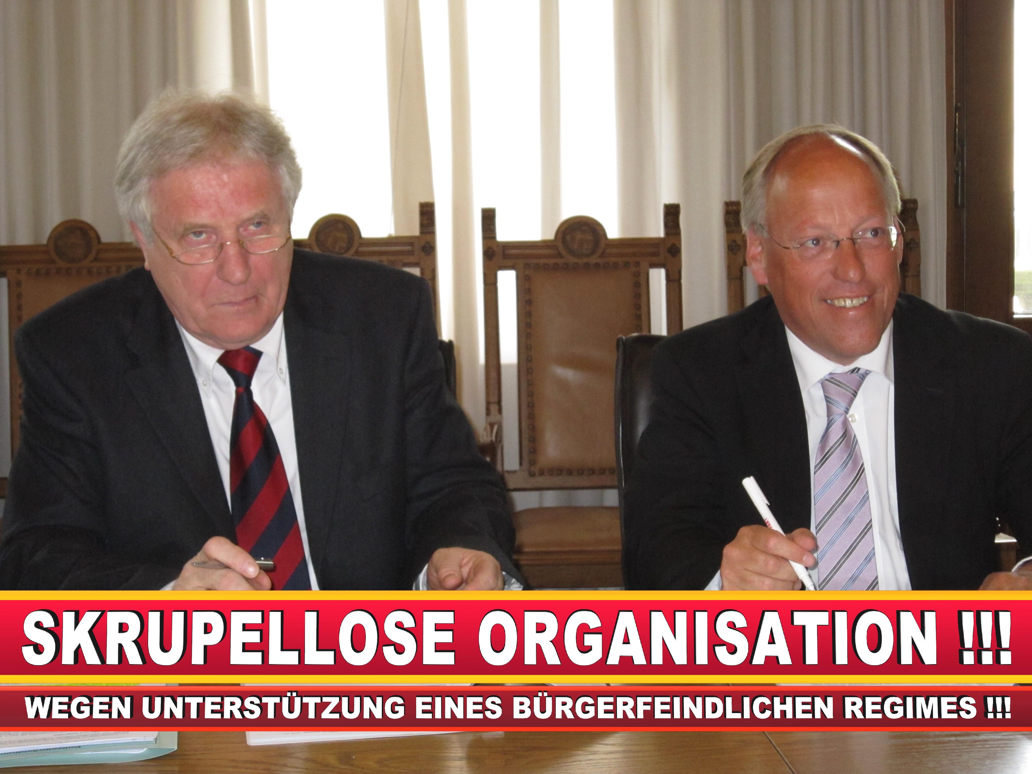 Polizeipräsident Erwin Südfeld Bielefeld Oberbürgermeister Bürgermeister Peter Clausen Pit Clausen Bielefeld (7)