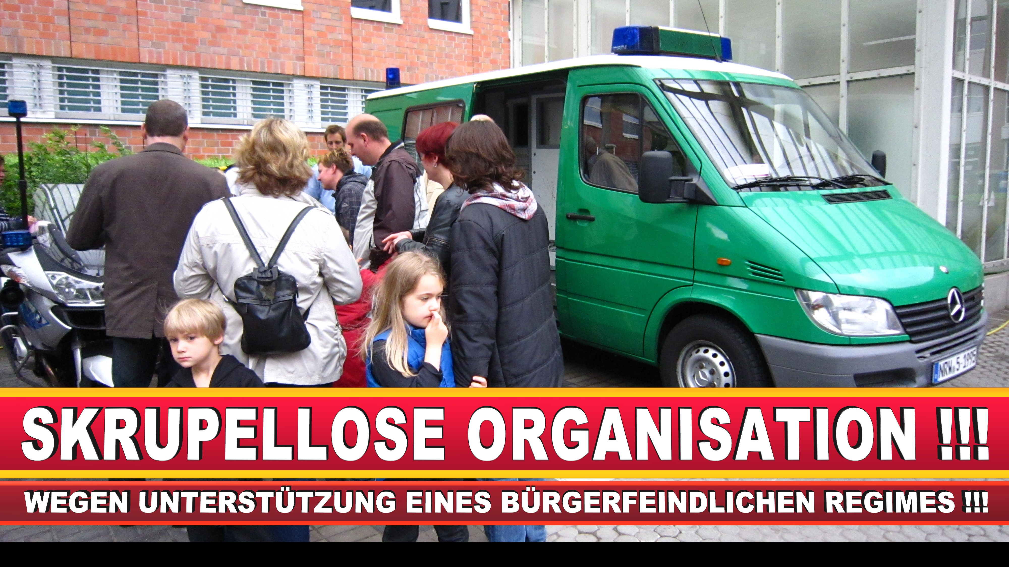 Polizeipräsidentin Katharina Giere Polizei Bielefeld NRW Erwin Südfeld Horst Kruse Polizeiuniform Polizeigewalt DEMONSTRATION Bahnhof (6)